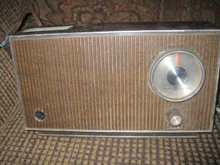 General Electric GE Antique Radio Model T2100A Works