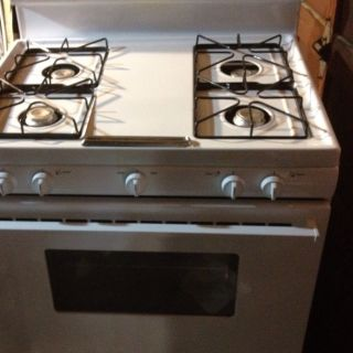 Tappan Gas Stove Barely Used