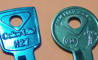 FORD VINTAGE ORIGINAL COLORLITE ALUMINUM KEY BLANKS From 40 year