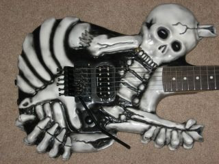 George Lynch Skull 'N Bones Guitar