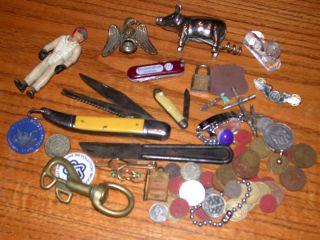 Vitnage Mens Junk Drawer Lot Pocket Knife Token Lots of Stuff