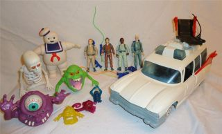 VINTAGE REAL GHOSTBUSTERS TOY/ ACTION FIGURE LOT, ECTO 1, STAY PUFT