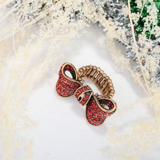 Antique Gold Plated Rhinestone Bow Stretch Cocktail Ring Red