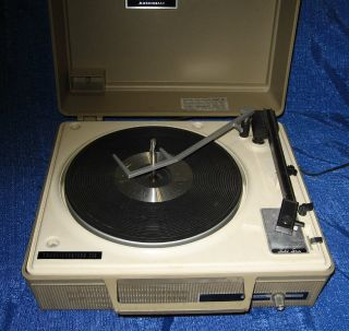 Portable Fully Automatic Multiplay GE Phonograph Record Player Very