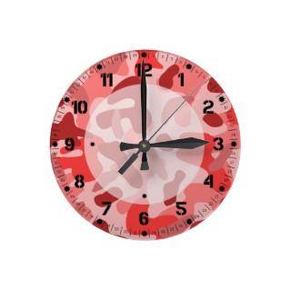 Pink Camo Round Clocks