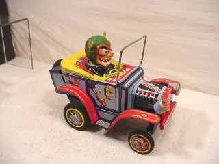 VINTAGE TIN TOY MARX NUTTY MAD CAR MONSTER BATTERY OPERATED TIN TOY B
