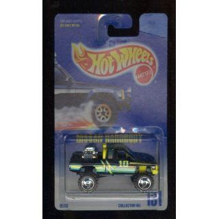 Hot Wheels 1991 131 BLACK/GREEN Nissan Hardbody Blue Card