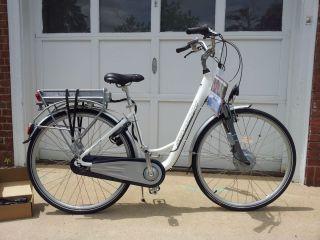 Brand New Schwinn Electric Hybrid Bicycle Tailwind  MSRP $