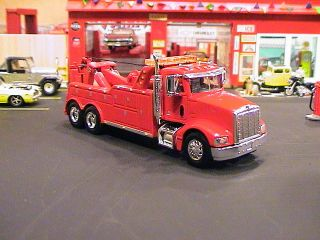 PETE PETERBILT 385 HEAVY DUTY SEMI CAB TOW TRUCK WRECKER 1 64 HEIL RED