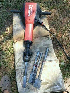Hilti TE 3000 AVR Jack Hammer Demolition Hammer