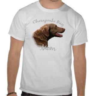 Chesapeake Bay Retriever Mom 2 Tshirts