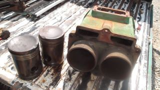 John Deere Styled A Block and Piston Set A3462R A3282R