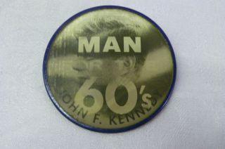 1960 JOHN KENNEDY FLICKER BUON JFK FLASHER PIN BACK CAMPAIGN VARI