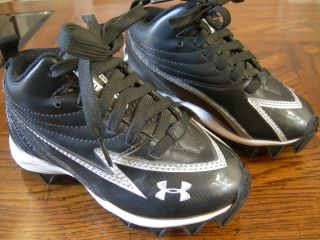 Kids Under Armour Football Cleats Shoes Size 10K Very Good Condition