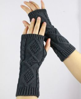 Soft Feeling Rhombus Twist Handmade Knit Fingerless Gloves