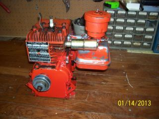 Vintage Briggs and Stratton Engine Mod 6B s Horizontal Shaft