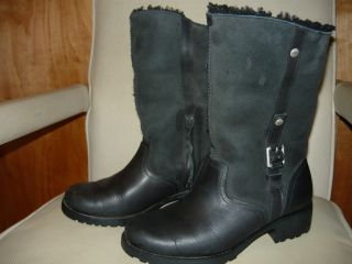Size 8 Uggs Australia Bellvue II Black Leather Boot Motorcycle Style