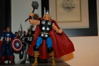 Marvel Legends Avengers Thor Giantman Series RARE