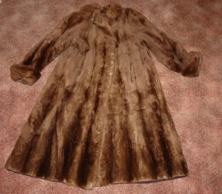 Ladies Fur Coat Carl A Laabs Milwaukee Vintage Possibly Bear