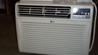 LG Electronics 10 000 BTU 115V Window Air Conditioner