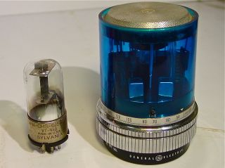 GENERAL ELECTRIC BLUE MAX POLICE LIGHT HAND WIRED TRANSISTOR RADIO