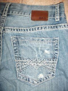 BKE Buckle Mens Justin 33R Distressed Denim Blue Jeans 75720