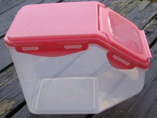 HPL700 LOCK AND LOCK FLIP TOP STORAGE BIN CONTAINER WITH LID RANDOM