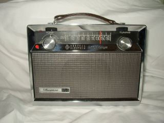 Electric P784A Long Range portable AM radio Working 1960s transistor