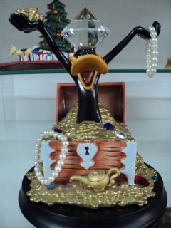 Goebel Looney Tunes Spotlight Daffy Duck Statue Le