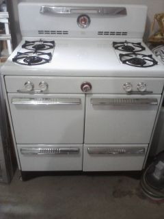 Grampa's Antique Kitchen - Antique Sinks - Antique Stoves