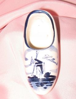 Delft BLUE White Holland MINI CLOG SIGNED HAND PAINTED WINDM PORCELAIN