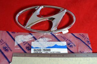Hyundai Santa FE Genesis Mark H Logo Emblem 86300 2B000 Rear 2006 2011