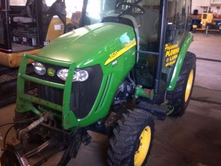 2005 John Deere 3520 utility tractor, factory cab,snow blower,loader