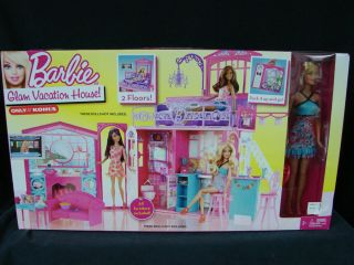 Mattel 2011 Barbie Glam Vacation house with barbie doll 2 floors