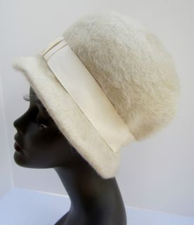 Ladies Hat 1960s Retro Cream Bucket Fuzzy Wool Merrimac MAD MEN Exc