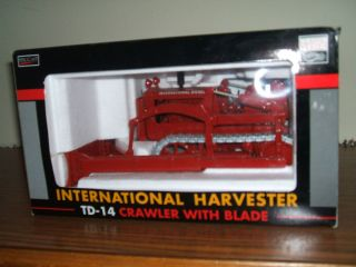 Case IH Farm Toy International TD 14 Crawler w Blade