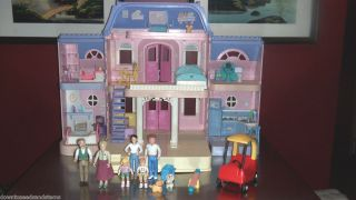 Fisher Price Loving Family Dollhouse w Grandpa Grandma Mom Dad Brother