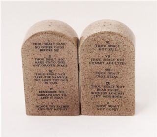 10 TEN COMMANDMENTS STONECALOGUE.CERAMIC SALT & PEPPER SHAKERS
