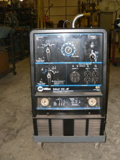 Miller Bobcat Welder 225 NT CC CV AC DC 8500 Watt Generator Welder
