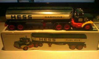 1977 HESS Fuel Oil Tanker Truck with Original Box and Insert EXCELLENT