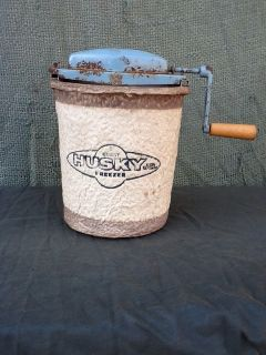 vintage Husky Jr. 2 Quart ice cream freezer/Hand Crank ice cream maker