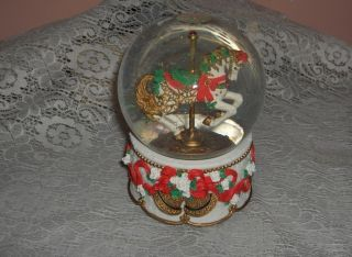 House Snow Globe Music Box Carousel Horse Christmas Collector Edition