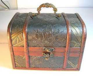 Large Antique Design Wooden Jewelry Treasure Chest Box With Handle