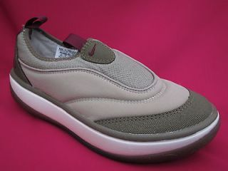 WOMENS BEIGE NIKE AQUA FLEX SOCK WATER SHOES SLIP ON SIZE UK 7