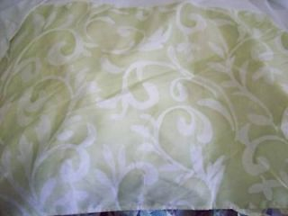 Pastel Green Floral Scroll Bed SkirtTwin/Full/Queen/K