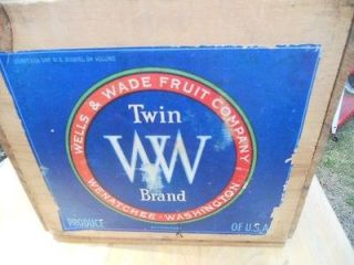 ANTIQUE  WOODEN FRUIT CRATE:TWIN WS:WELLS AND WADE:WENATCHEE