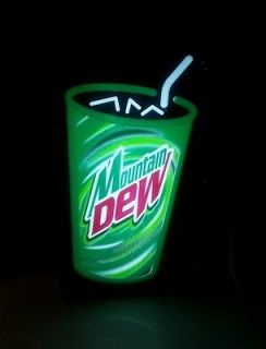 VINTAGE MOUNTAIN DEW LIGHTED ADVERTISING SIGN  1980s