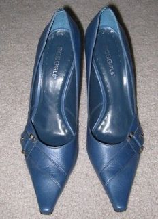 WOMENS LADIES BCBG GIRLS BLUE HIGH HEELS SIZE 7 1/2 B NWOT MINT