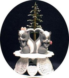 Precious Moments Love is in the Air Skunk Wedding Cake Topper