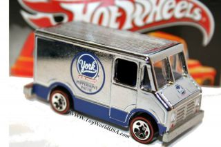 2010 Hot Wheels Sweet Rides Combat Medic York